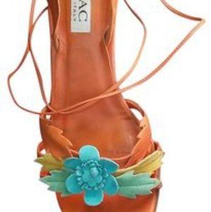 Isaac Mizrahi flower heels 7
